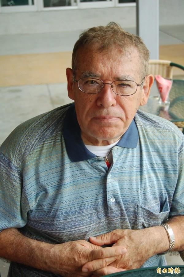 呂道南神父為台奉獻57年,去年獲頒台灣身分證,成為正港台灣人,但今晚不敵病魔辭世。(資料照,記者江志雄攝)