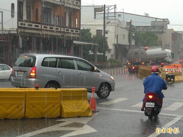 屏南地區降下零星雨勢。(記者蔡宗憲攝)
