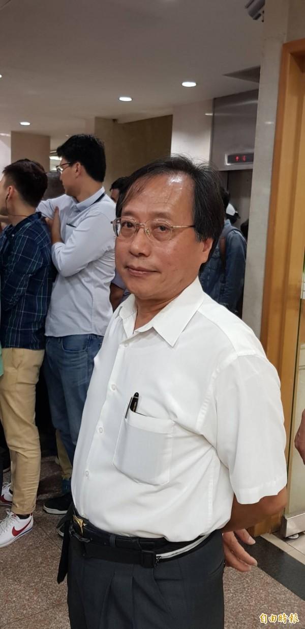 韓國瑜被檢舉「菜蟲案」,台北地檢署今天上午傳訊出庭,李來希陪同現身。(記者溫于德攝)