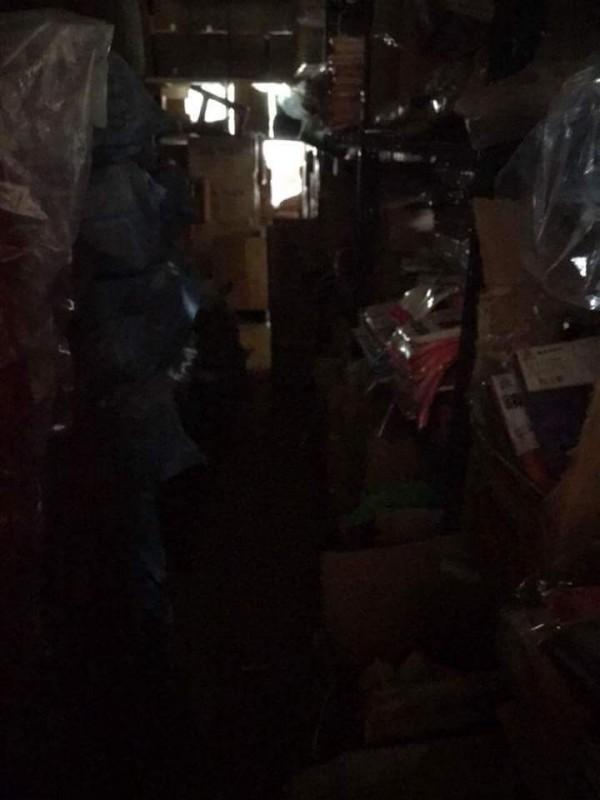 高市今晚狂風暴雨,出現零星停電。 (記者陳文嬋翻攝)