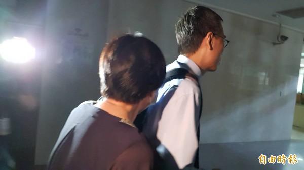 黃秋香(左)。(記者溫于德攝)
