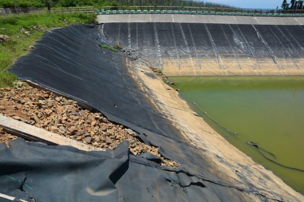七美水庫長期漏水,只能依賴地下水井供應民生用水。(澎湖縣政府提供)