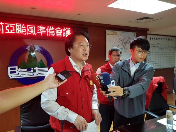 台北市長柯文哲今天受訪表示,明天(10日)上午10點前,將開會討論下午是否放假,對此,基隆市長林右昌說,他不是很清楚台北市為什麼急著講這件事。(基隆市政府提供)