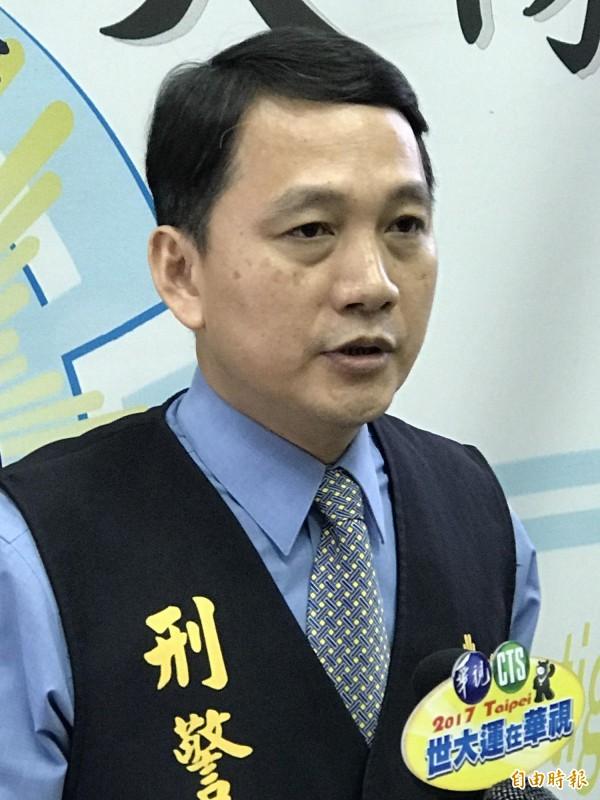 黃錦富外派調任旗山分局偵查隊長。(記者黃良傑攝)
