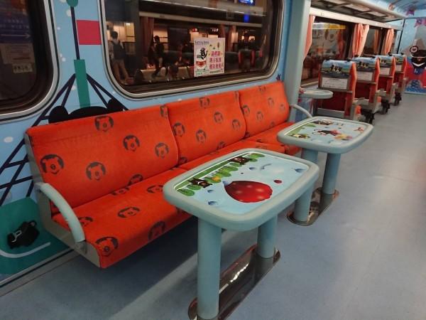 台鐵親子車廂7/27增班,違規佔用可加收50%票價。(圖:台鐵局提供)