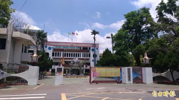 雲林區高中高職免試入學放榜,虎尾高中錄取494人、6人滿級分。(記者廖淑玲攝)