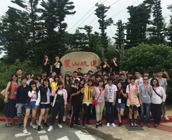 國中部學生直升高中部,陸興高中送旅行5天。(陸興高中提供)