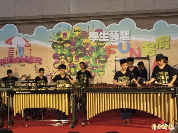 教育部推百場暑期免費活動,今天開記者會宣布,其中, 樂器銀行首度舉辦營隊。(記者林曉雲攝)