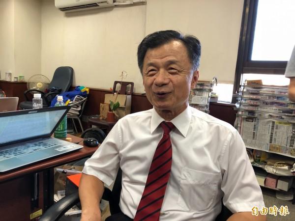 法務部長邱太三說「還在糾纏中」。(記者錢利忠攝)