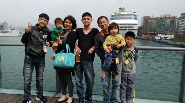江孟芬與丈夫有8小孩,其中5個是兒子。(江孟芬提供)