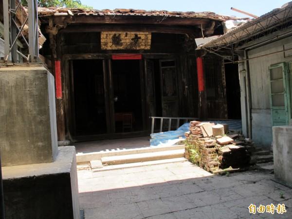 新竹市國定古蹟鄭用錫宅第「進士第」,閒置33年後,今年9月要啟動修復工程,可說是古蹟保存維護重要的里程碑。(記者洪美秀攝)
