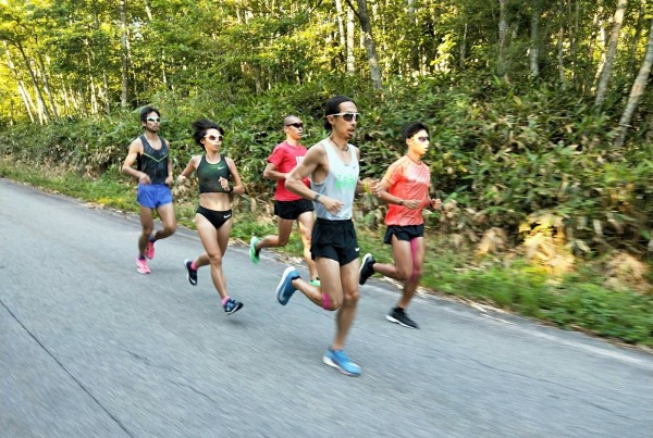張嘉哲等5名台灣馬拉松跑者到日本「飛騨高山御嶽訓練中心」進行長達17天的高原訓練。(張嘉哲提供)