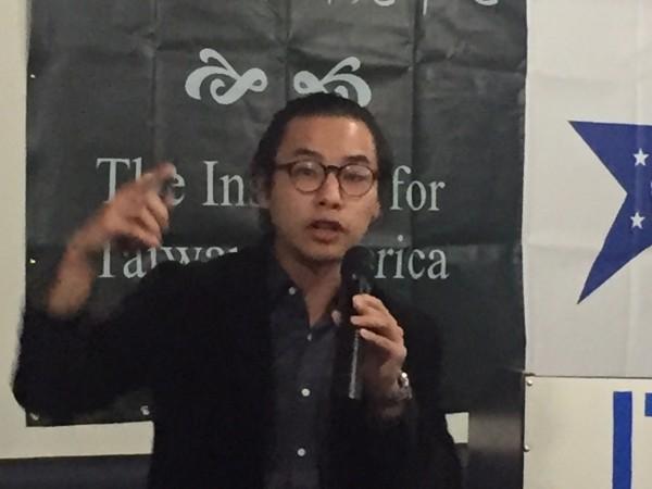 國民黨青年領袖林家興看好民黨進籍的桃園市長鄭文燦是下任總統人選。(記者曹郁芬攝)
