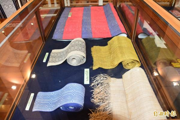 宜蘭縣史館正在辦理「噶瑪蘭族復名運動30年」特展。(記者游明金攝)