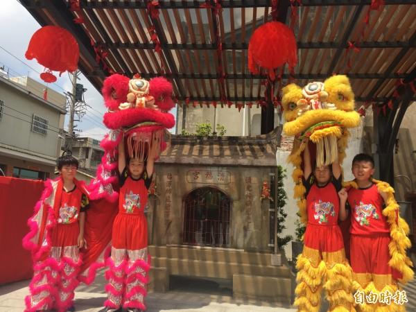清福宮石板廟被迎回原址,擴建為公園,今天舉行啟用典禮歡慶。(記者顏宏駿攝)