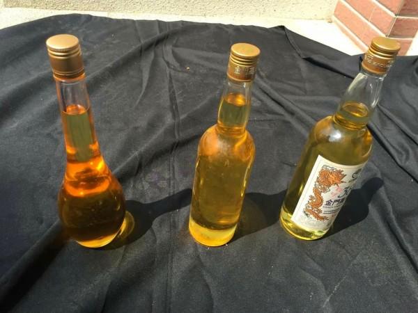 南投檢方10日下午拍賣的紅檜和扁柏精油,因價格太便宜十分搶手,檢方下午緊急公告每人改限購2瓶。(南投地檢署提供)