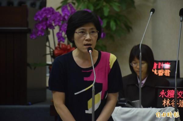 台南市教育局長陳修平認為提高一般地區國中每班教師員額,在經費上有困難,還得再行研議。(記者邱灝唐攝)