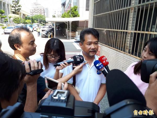 機師職業工會發言人陳祥麟呼籲資方拿出誠意。(記者謝武雄攝)