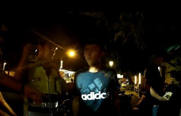 高雄KTV爆衝突混戰,警帶回9人裁罰2人。 (記者陳文嬋翻攝)