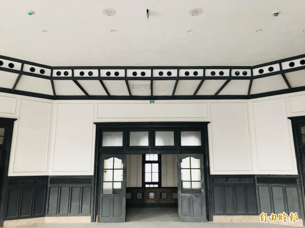 南美館一館為原台南警察署古蹟,修復後美輪美奐。(記者洪瑞琴攝)