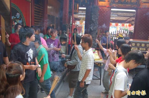 台南市政府強調尊重宗教自由,不可能也不需要「滅香」。(記者洪瑞琴攝)
