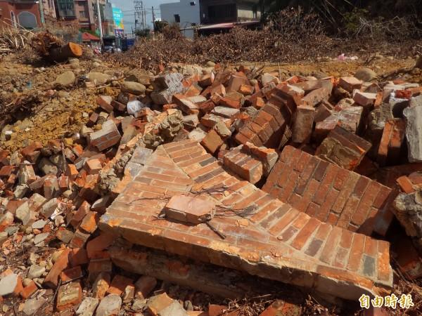 「金鑑堂」三合院被拆除。(記者廖雪茹攝)