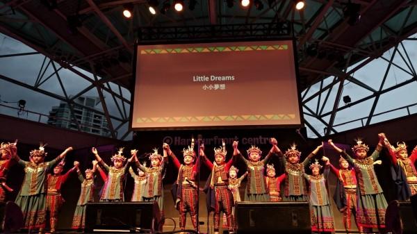 青葉國小受邀到加拿大演出,全場熱烈迴響。(青葉國小提供)