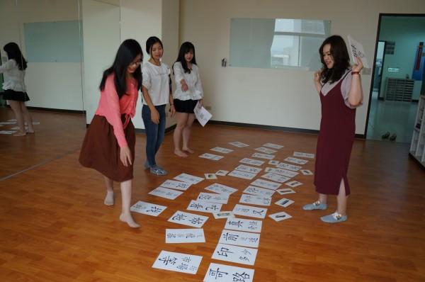 明新科技大學華語文教學中心獲教育部核准境外招生,成為新竹地區首間通過資格的技職院校,提供外藉人士就近學習華語的選擇。 (明新科大提供)