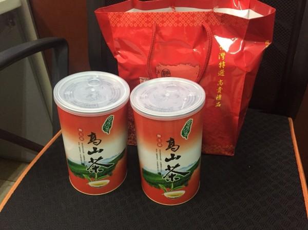 彰化檢警查賄,查出有參選人贈送千元茶葉給有投票資格選民。(記者陳冠備翻攝)
