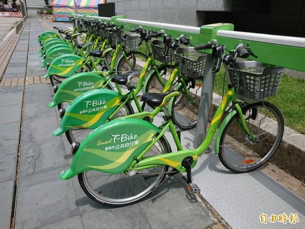 台南T-Bike明年還要增建30站。(記者洪瑞琴攝)