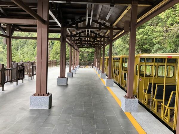 蹦蹦車太平山站月台。(記者江志雄翻攝)