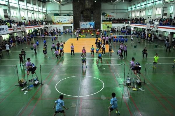 屏東縣長盃全國羽球錦標賽今天開打。(圖由屏東縣政府提供)