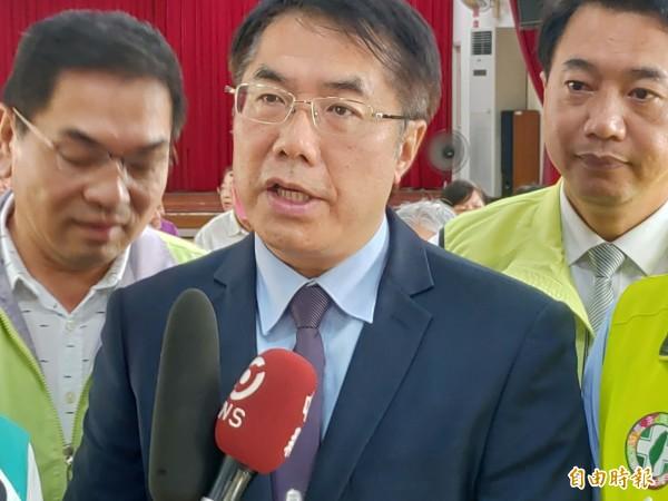 黃偉哲表示,慰安婦只要有1個非自願,日本就欠台灣一個道歉。(記者蔡文居攝)