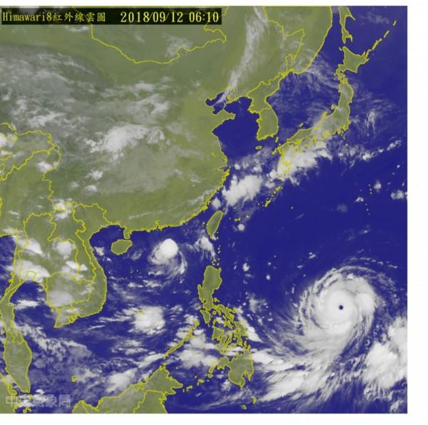 強颱「山竹」今天凌晨的衛星雲圖,仍可見其結構結實、清晰。(圖擷自中央氣象局網站)