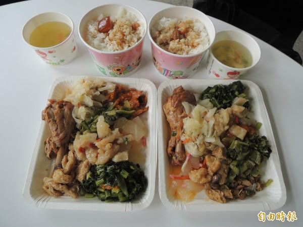兩份雞腿飯與豐盛配菜,只要一百元,白飯熱湯吃到飽。(記者張軒哲攝)