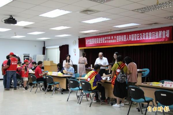 新竹縣今年參選爆炸,選舉5合1再加上公投,導致選務人員工作沈重、乏人問津。(資料照,記者黃美珠攝)