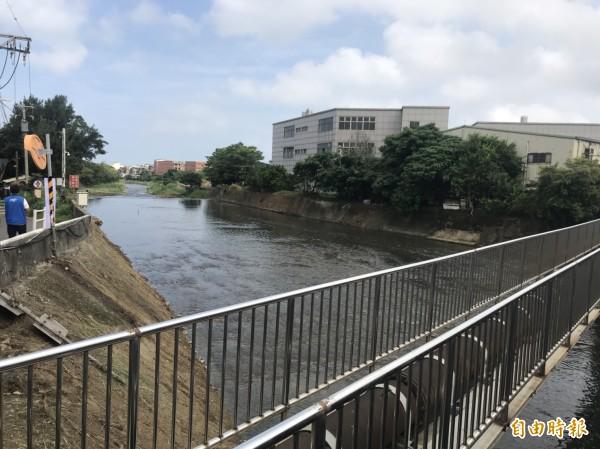 市府爭取前瞻計畫補助3億元辦理「埔心溪機場段護岸改善工程」。(記者謝武雄攝)