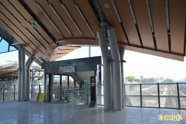 台鐵花蓮新站一號月台出入口樣貌。(記者王峻祺攝)