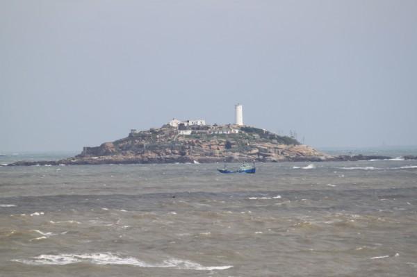 中國漁船非法越界至金門北碇一帶海域捕魚。(圖由讀者提供)