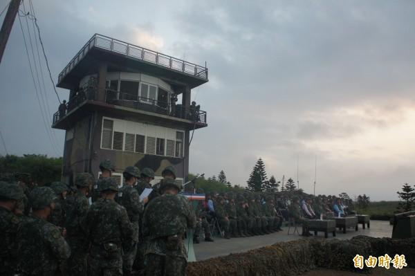 澎湖防衛指揮部在五德營區,拂曉進行反登陸作戰操演。(記者劉禹慶攝)