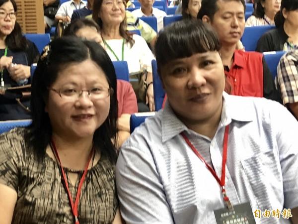 南榮國中教師丘麗英(左)與大同高中教師郭羿含(右)獲教育部師鐸獎。(記者羅欣貞攝)