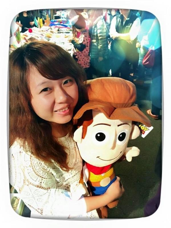 曾在鹿港鎮擔任專員的王麗雯,今年32歲,將參選鹿港鎮代表。(取自臉書)