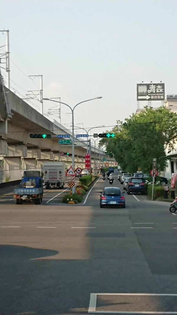 台39線全線號誌完成「一路長綠」,減少民眾等候紅燈時間。(記者洪瑞琴翻攝)