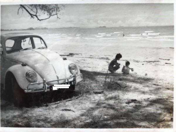 德國福斯經典金龜車將走入歷史,網友秀老照片令人回味無窮。(網友提供)