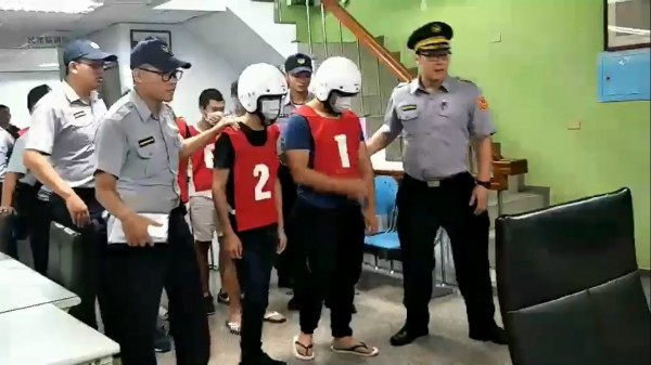 警方將滋事的少年全部移送法辦。(記者曾健銘翻攝)