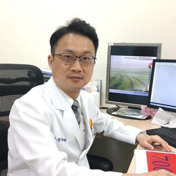 陳全裕醫師建議,不要抗拒藥物輔助戒菸,如果有藥物輔助,可降低戒斷症狀,讓戒菸成功率提高。(記者王捷翻攝)