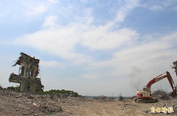 號稱二水共產基地的五星寺,已被拆得只剩一面危牆。(記者陳冠備攝)