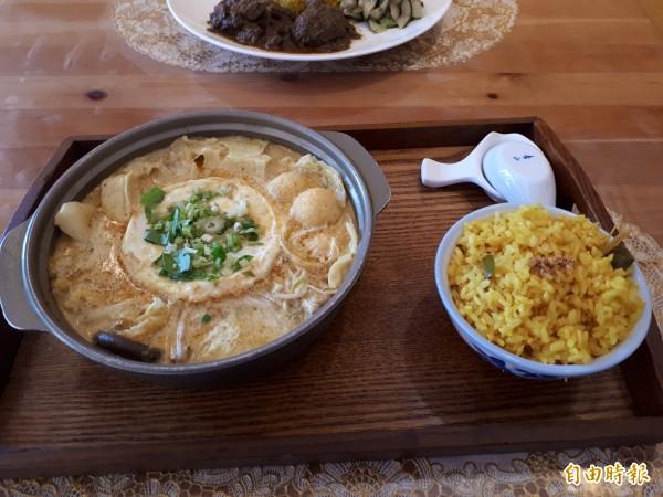 店內最多人愛的南洋叻沙鍋,會讓人吃了有濃濃家鄉味。(記者洪美秀攝)