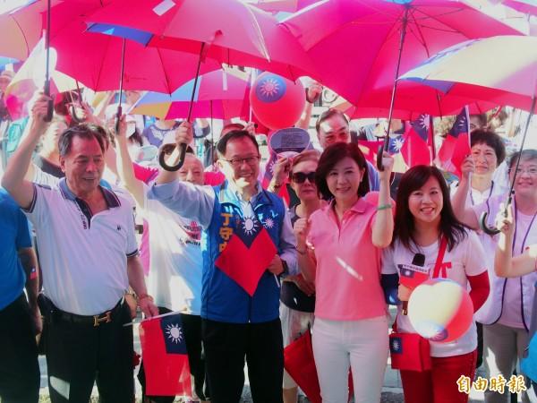 國民黨台北市長參選人丁守中出席國旗派對。(記者簡惠茹攝)
