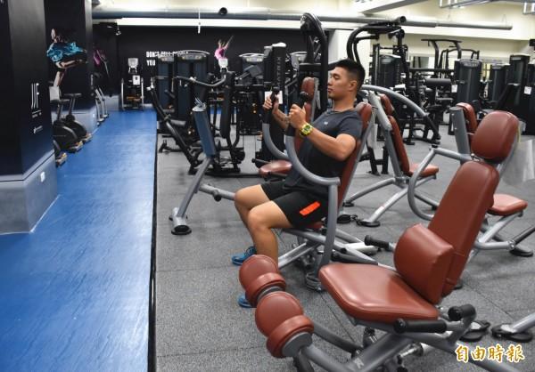 中壢國民運動中心健身房10月推出「十」分好康和里民日的優惠。(記者李容萍攝)